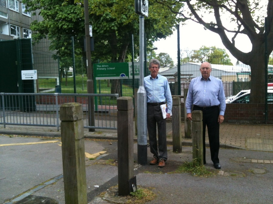 jeremy-and-pater-at-school-gates
